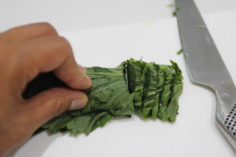 大葉を洗って切る カット