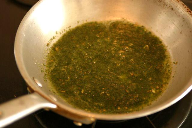 レシピ(料理) ペペロンチーノとバジルソース(ジェノバソース)でジェノベーゼ