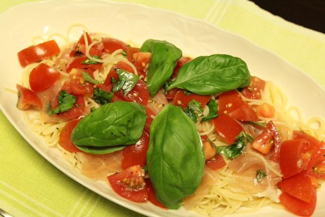 バジルとトマトの冷製パスタ レシピ